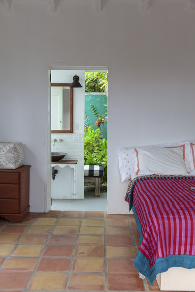 Tropical Bedroom Photos (6 of 34)