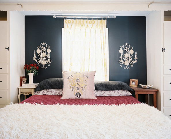 Bedding photos 64 of 141 lonny for Black accent wall