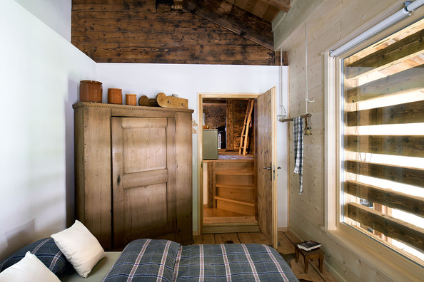Country Closet - Guest bedroom
