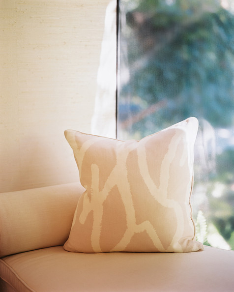 Patterned Pillow Photos (5 of 5)