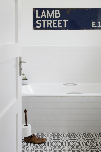 White Subway Tile Photos (1 of 3)