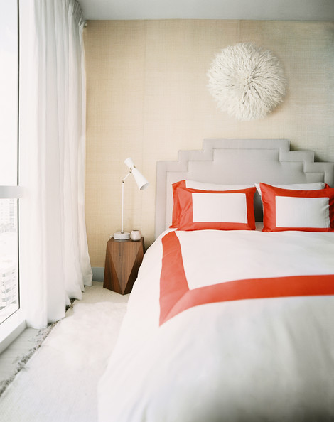 Ways To Arrange Bed Pillows Photos (31 of 57)