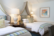 The Most Beautiful Guest Rooms in Lonny