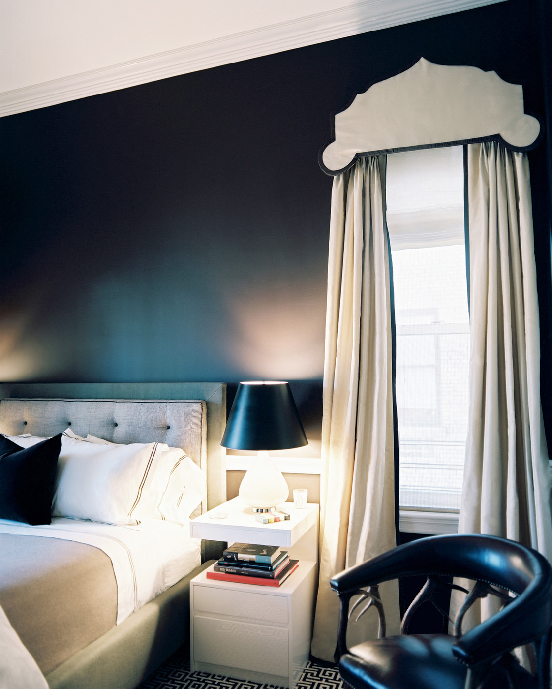 Dark Bedroom Walls Do Or Don 39 T Design Inspiration Lonny
