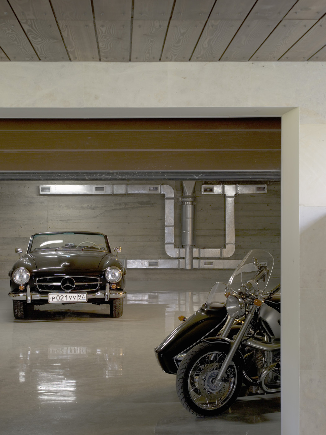 Exposed ductwork photos 10 of 11 for Garage mercedes gap