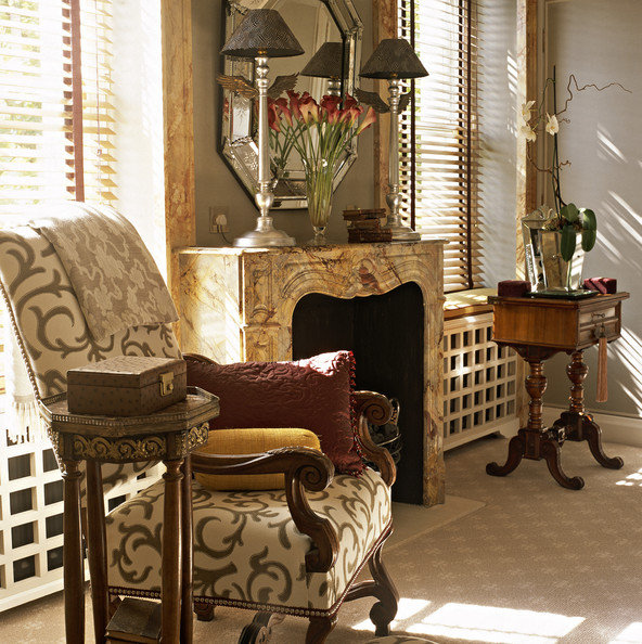 Traditional Living Room Decorating Ideas: Brown Traditional Living Room