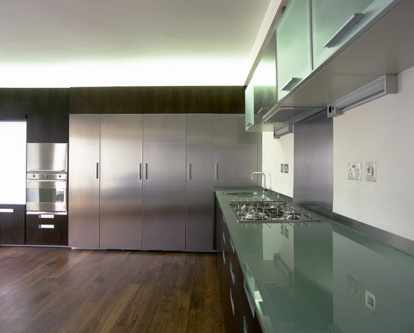 Green modern kitchen cool kitchen ideas lonny Modern green kitchen ideas