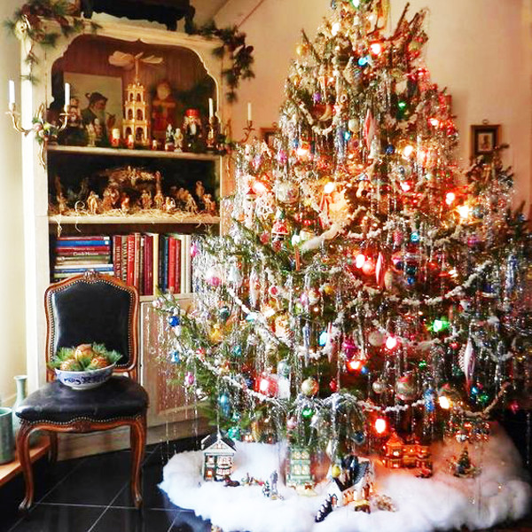 15 Non Traditional Christmas Tree Ideas: These Holiday Decorations Have Got To Go