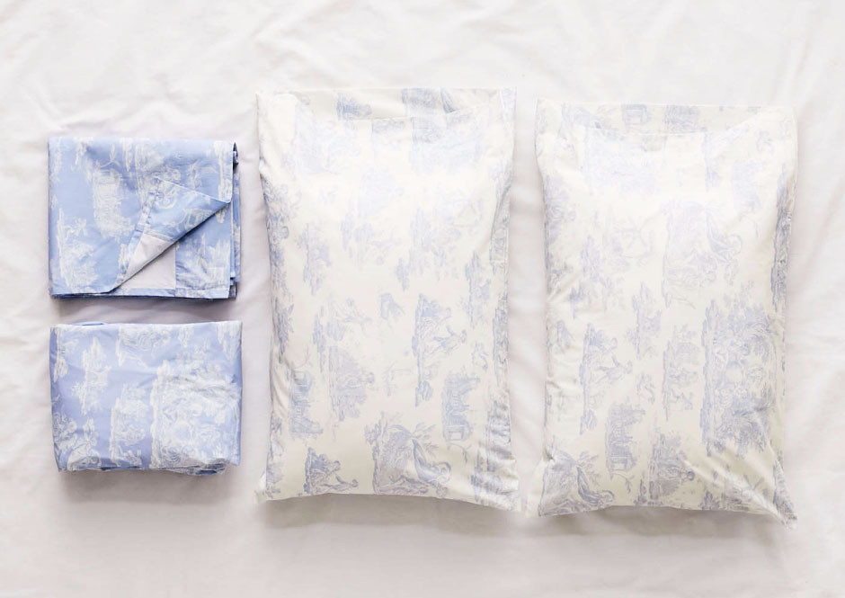 It's time to give your bedroom a total toile takeover.