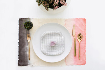 DIY To Try: Pretty Dip-Dyed Placemats