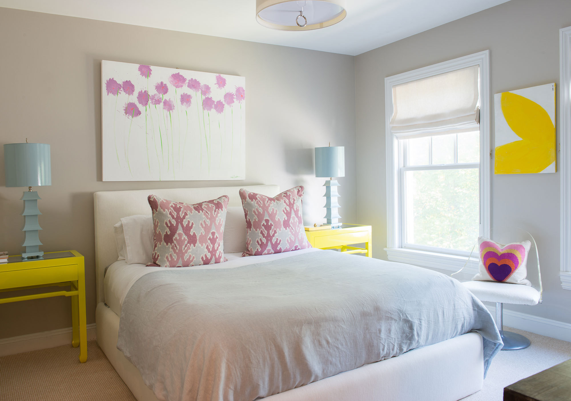 """It&squot;s all about unusual color combos for me,"" says Rosenthal of her romantic guest room. ""I design rooms just like I paint my paintings."""