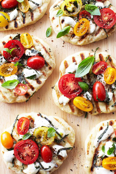 Upgrade: Tomato Basil Pizzettes