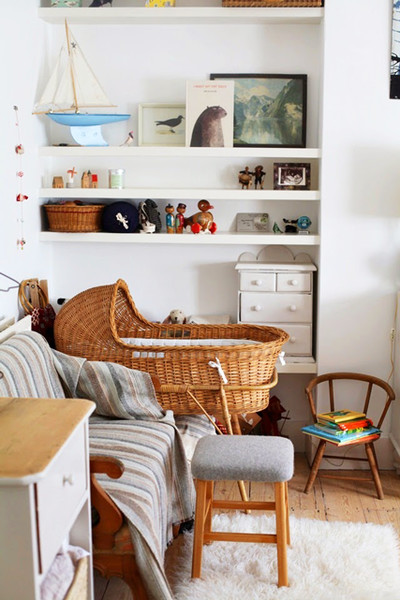 Open Shelving Makes Use Of Unused Corners