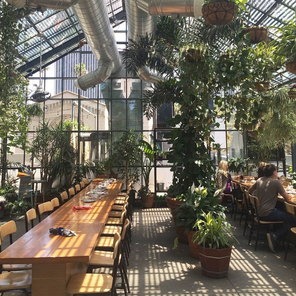 Eat Commissary At The Line Hotel Los Angeles The Top Spots Along