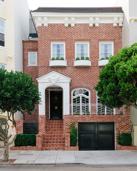 The facade home tour susan greenleaf 39 s san francisco family home lonny - Home decor san francisco image ...