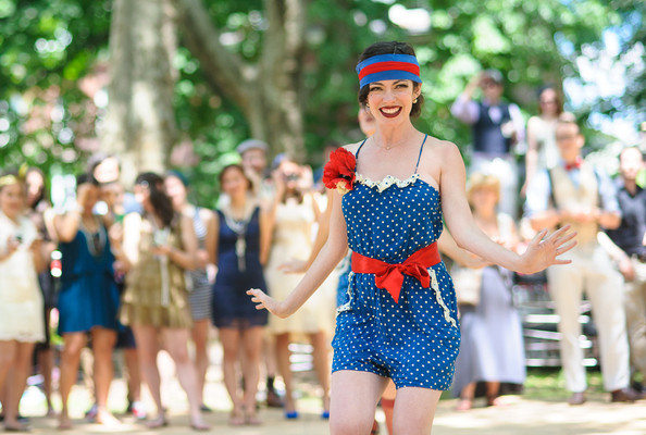 Throw A Gatsby Style Shindig With Ideas From The Jazz Age Lawn Party