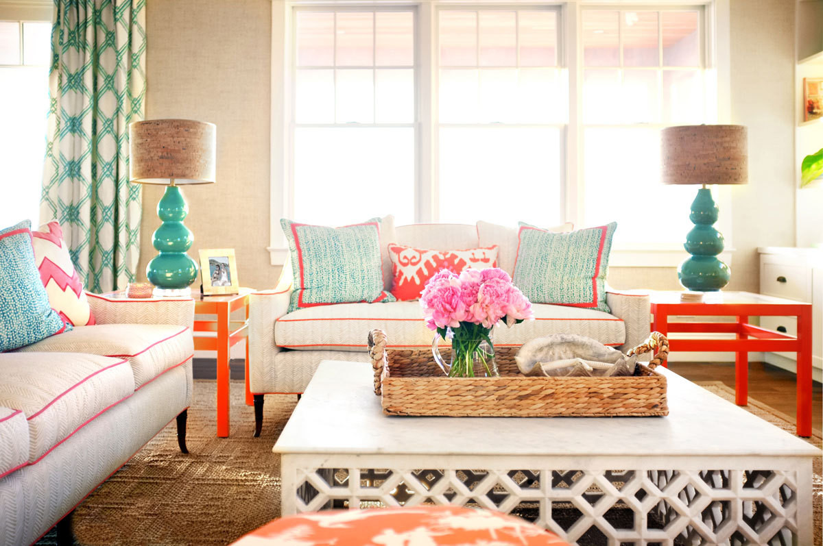 The perfect summer beach house home tour lonny for Summer beach house decor