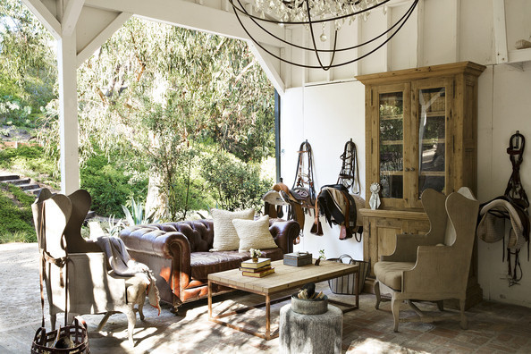 Cozy Porches to Snuggle Up to This Fall
