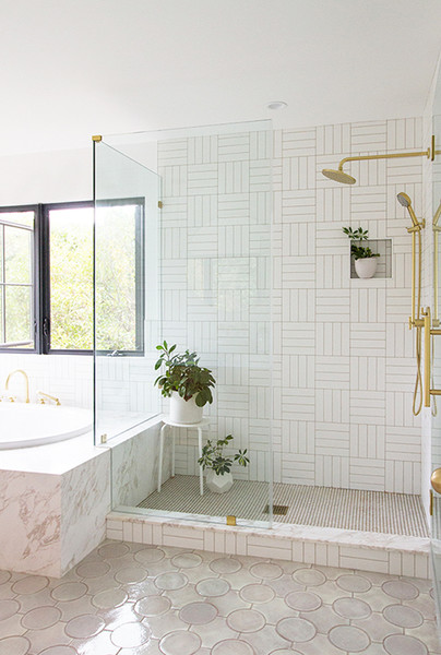 White Bathrooms That Give Sleek A New