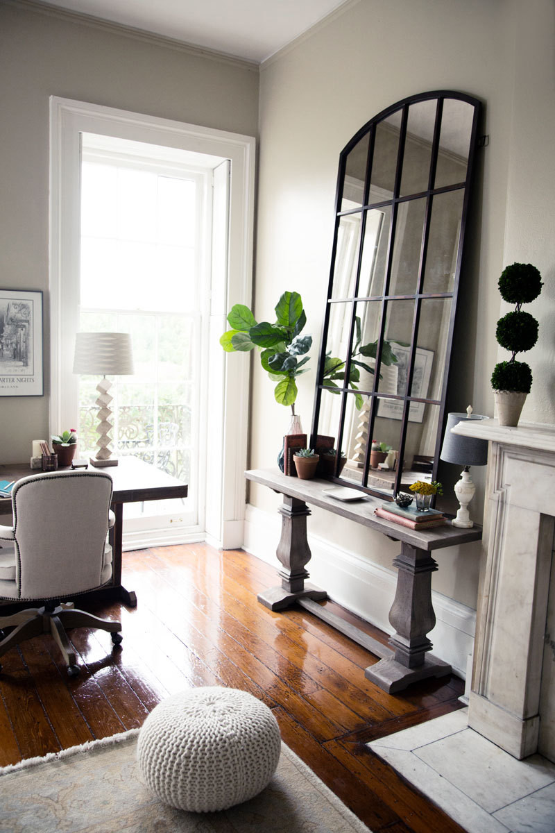 A neutral new orleans apartment with eclectic style New orleans style decor