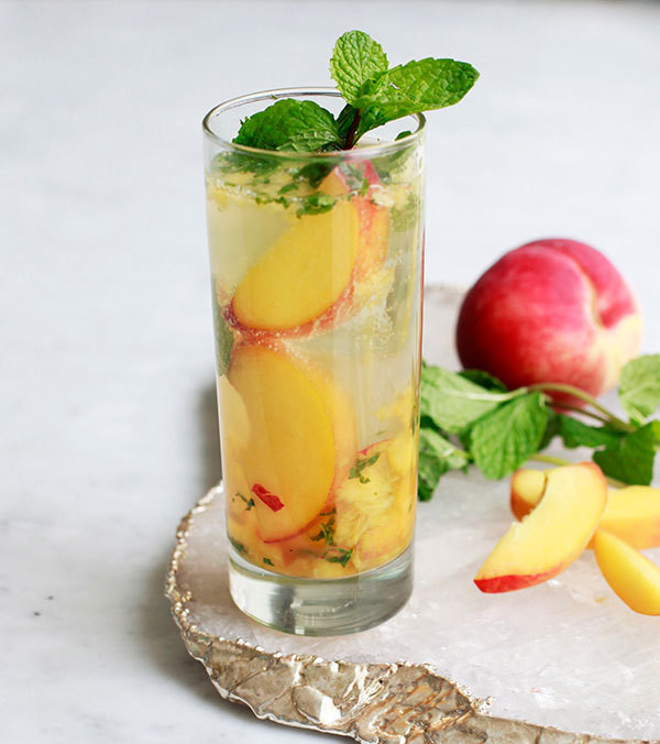 A Fruity Peach and Mint Cocktail