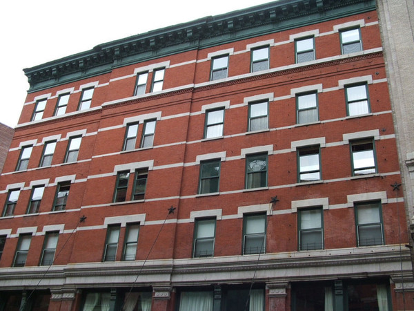 Big apple welcome taylor swift 39 s tribeca penthouse lonny for Apartments in tribeca nyc