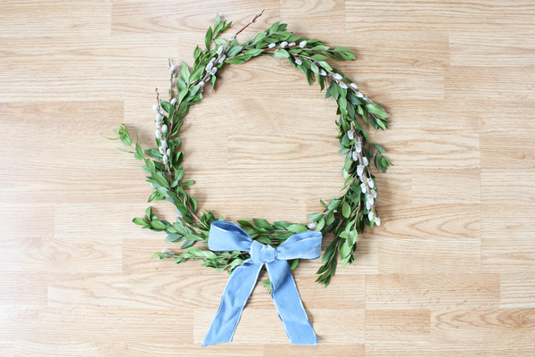 Make Your Own DIY Pussy Willow Wreath