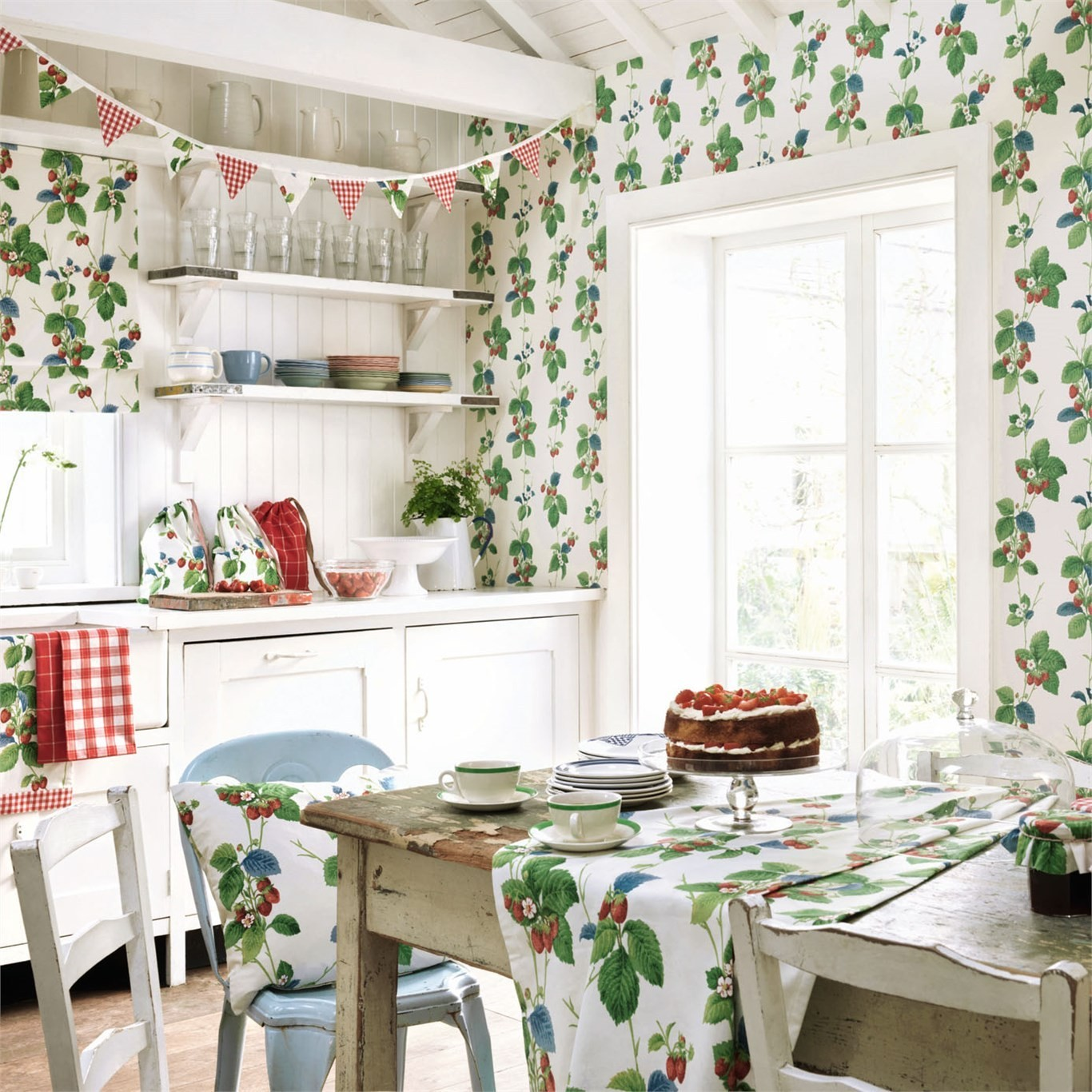 The Vintage-Inspired Wallpaper Line We're Obsessing Over