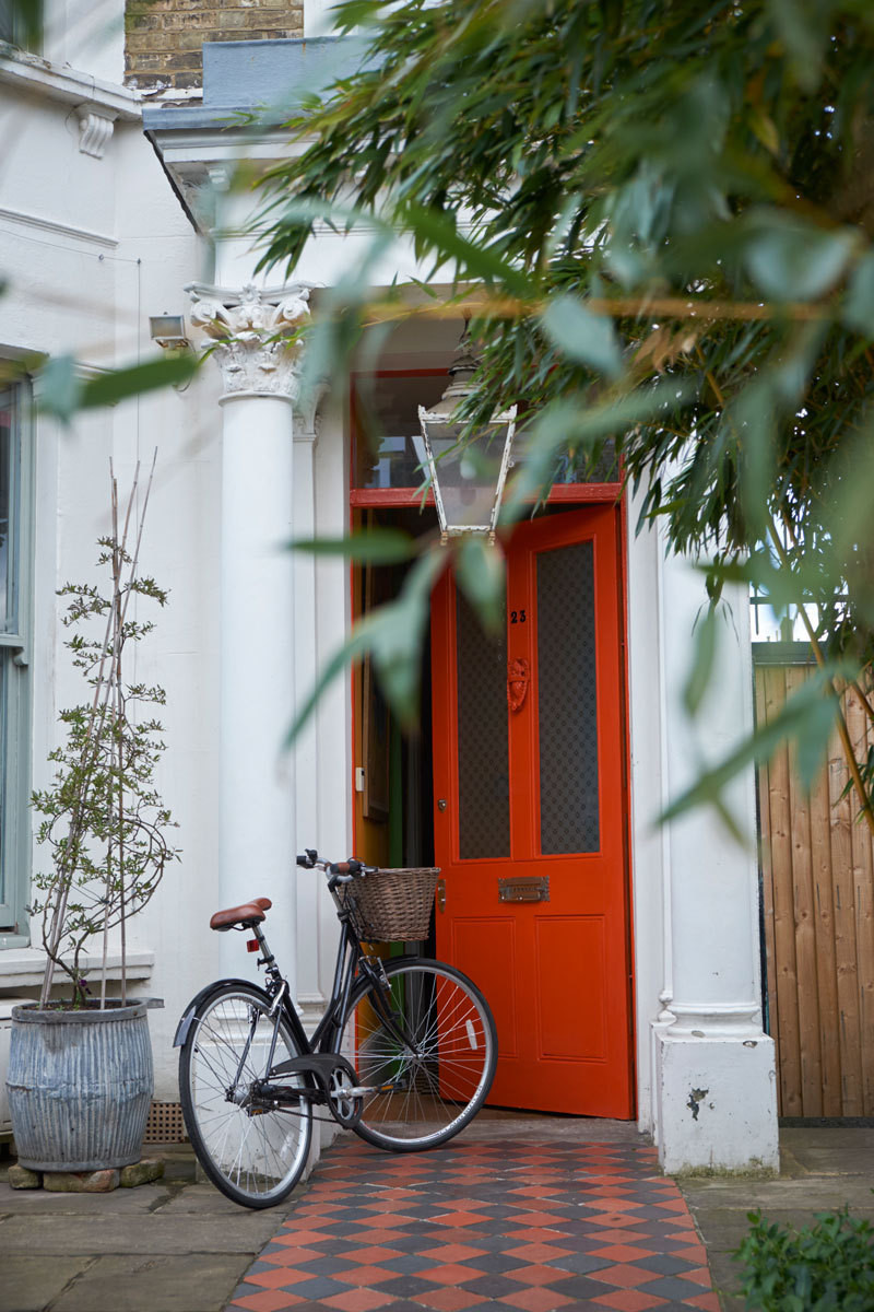 Four Colors You Should Consider Painting Your Door
