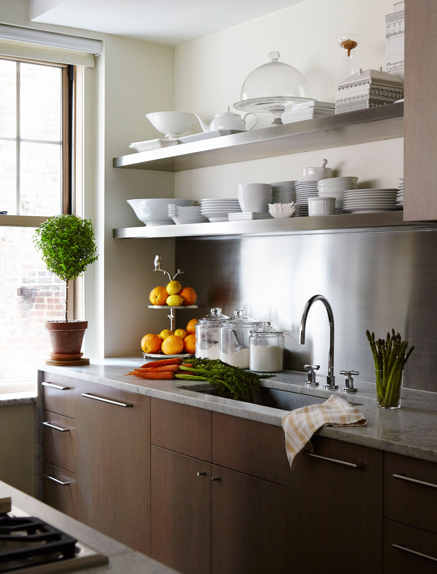 25 Tiny Kitchens That Prove Small Space Living Is Actually