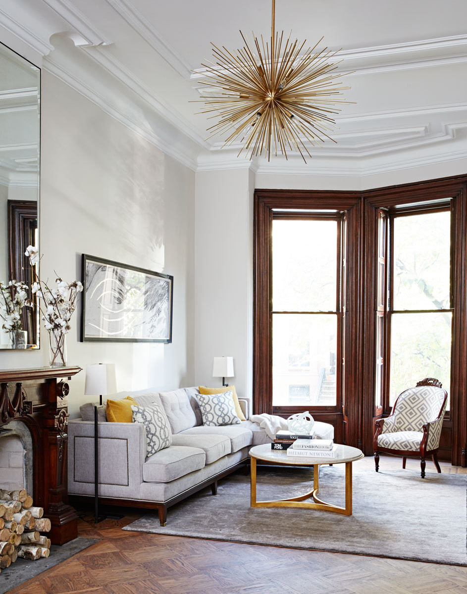 The gracious proportions and ornatedetails of this 1876 townhouse provide a classic frame for Nicole Gibbons's refined decor.