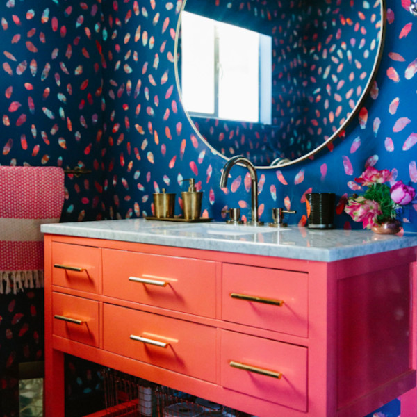 20 Times Color Was Done Right In Bathrooms