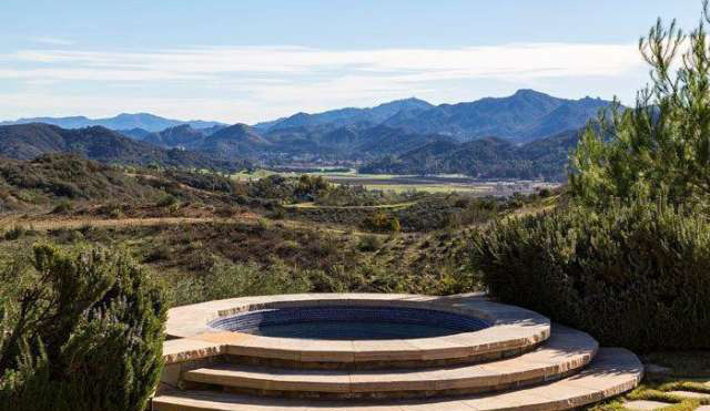 Chillin With You Britney Spears 21 Acre Thousand Oaks