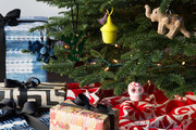 12 Killer Holiday Decorating Tips Straight From The Pros