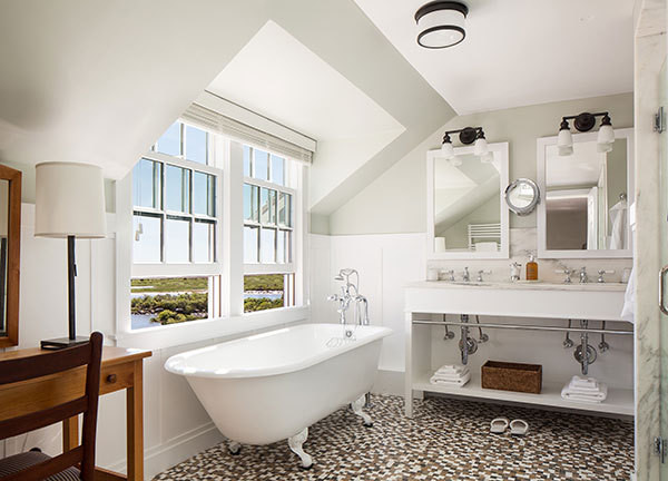 10 Design Ideas To Steal From Rhode Island 39 S Ocean House And Weekapaug Inn Escapes Lonny