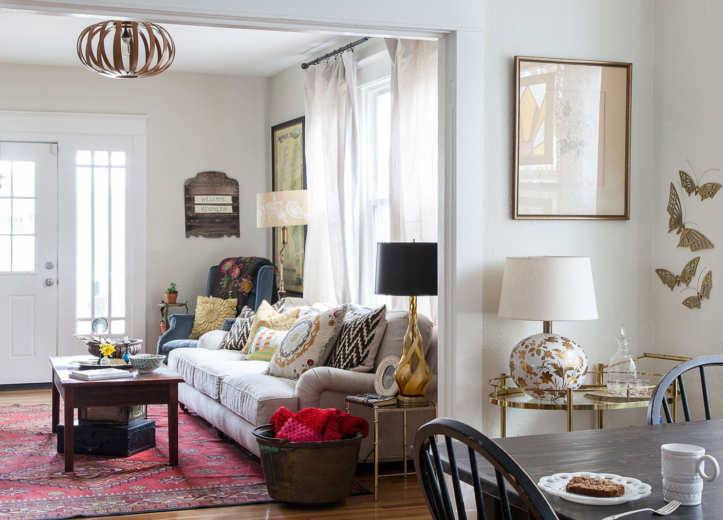 The Nashville, Tennessee, living room of Ruthie Lindsey features a spirited mix of family heirlooms and vintage finds.