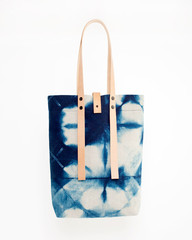 These Hand-Dyed Linen Totes by Le Renard Are Everything