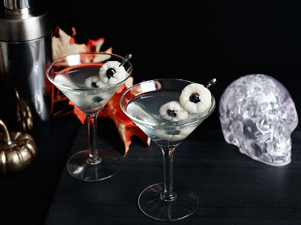 A Spooky Halloween Party Cocktail You'll Actually Want to Drink