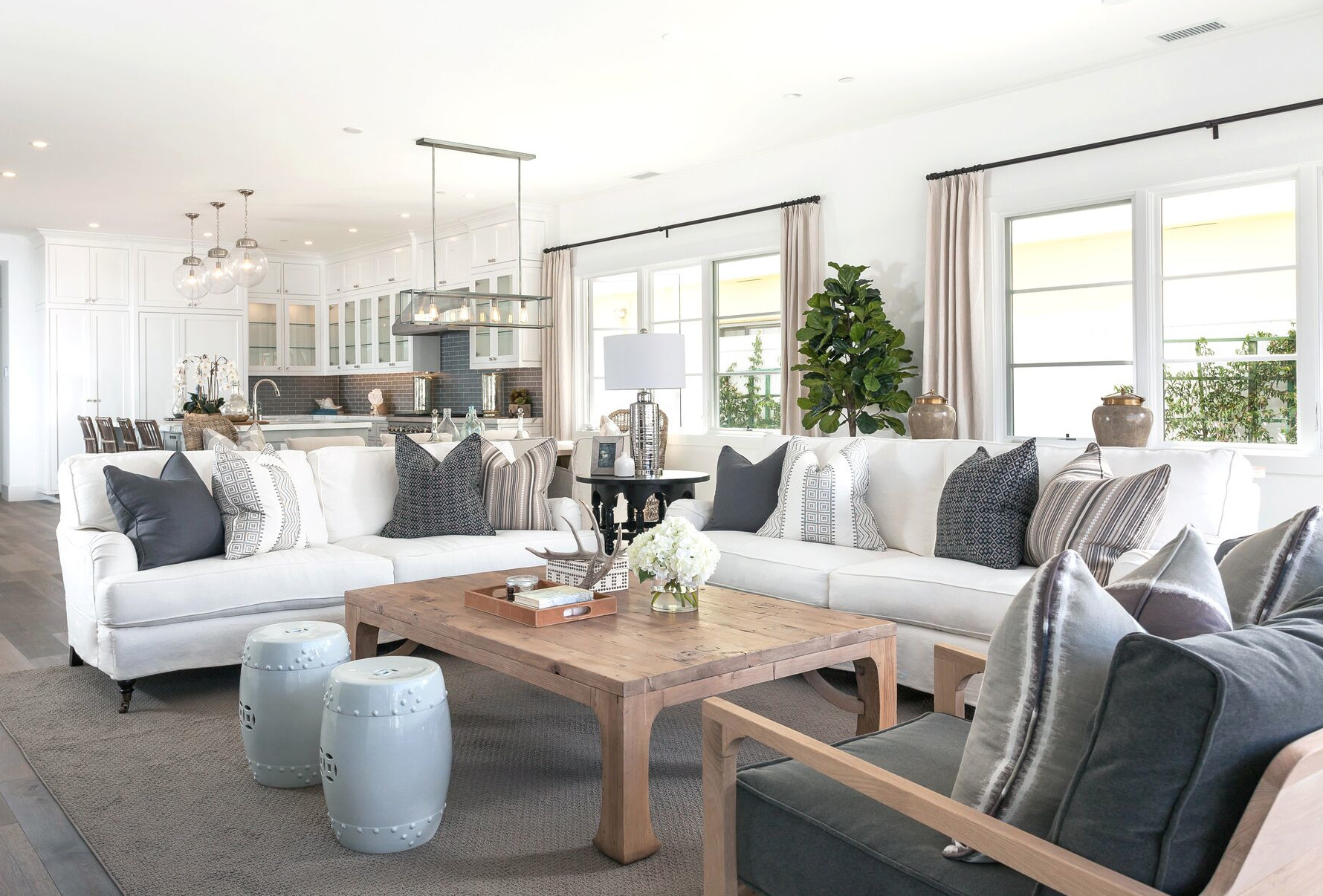 6 tips for decorating with coastal style year round for California contemporary interior design