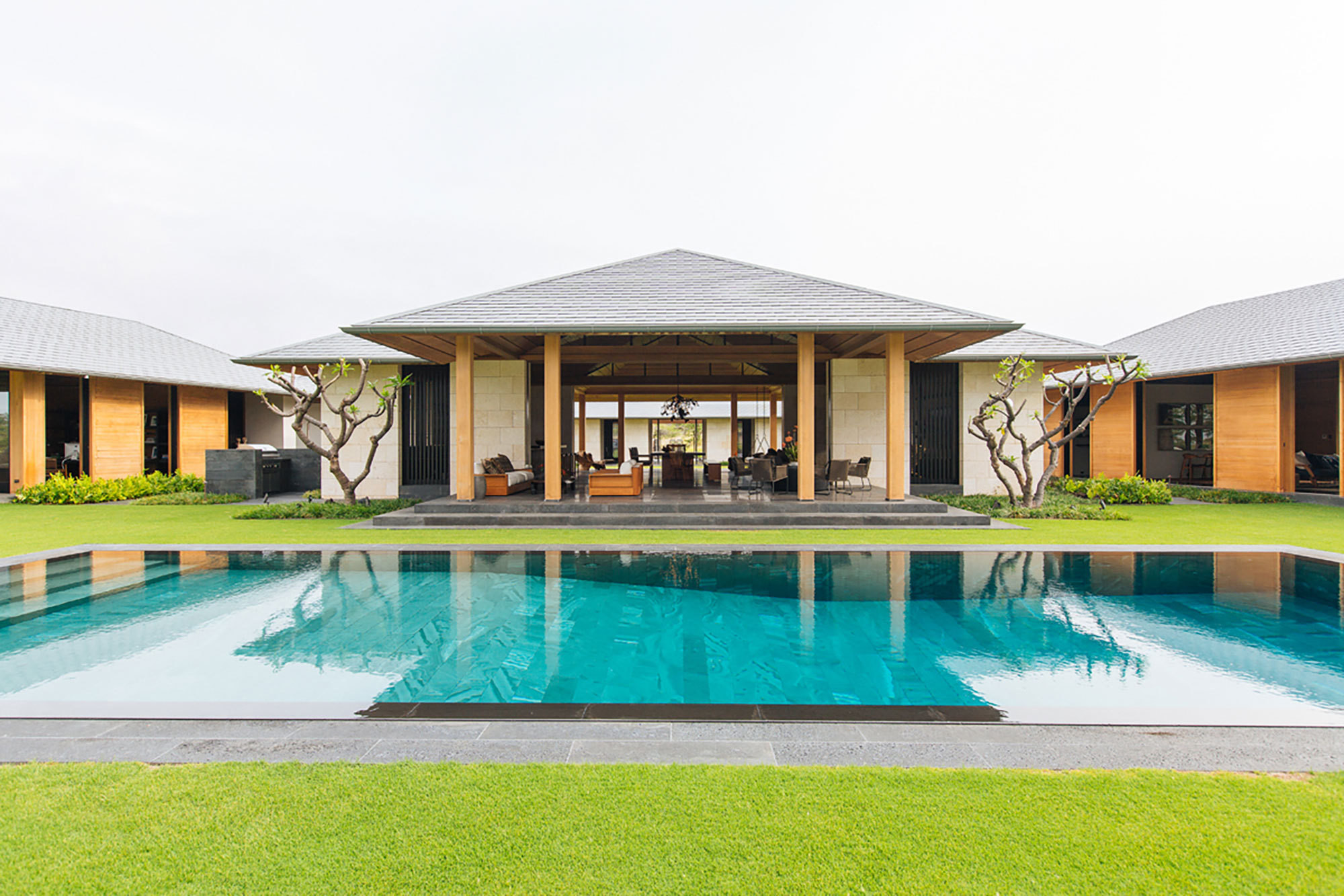This Minimal Modern Hawaiian Home Is
