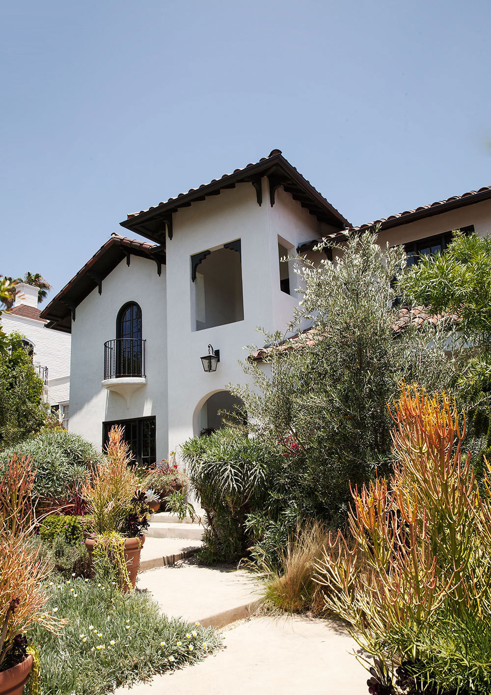 Architect Bobby Rees restored the 1920s house to its original Spanish-inspired style.