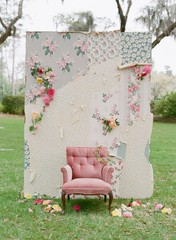 Easy & Affordable Floral Installation Ideas For Your Wedding