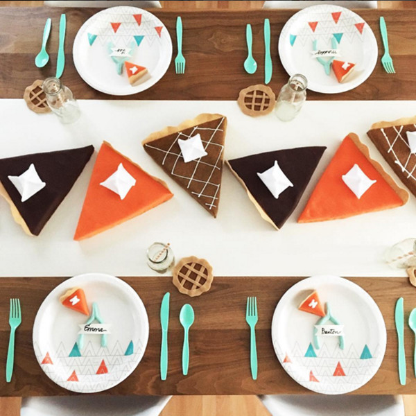 How To Deck Out Your Kids Thanksgiving Table