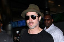 Brad Pitt Flies Solo
